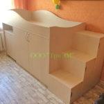 Кровать с выкатным столом