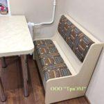 Кухонный стол с диванчиком